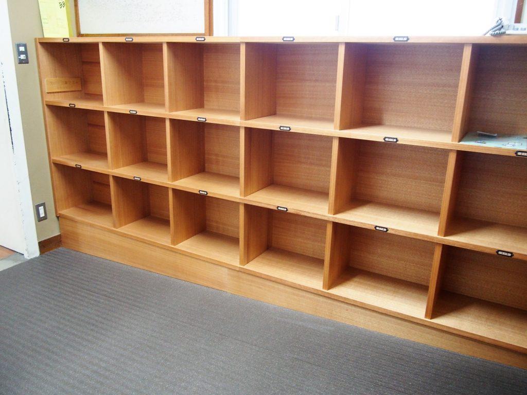 学校の棚の写真